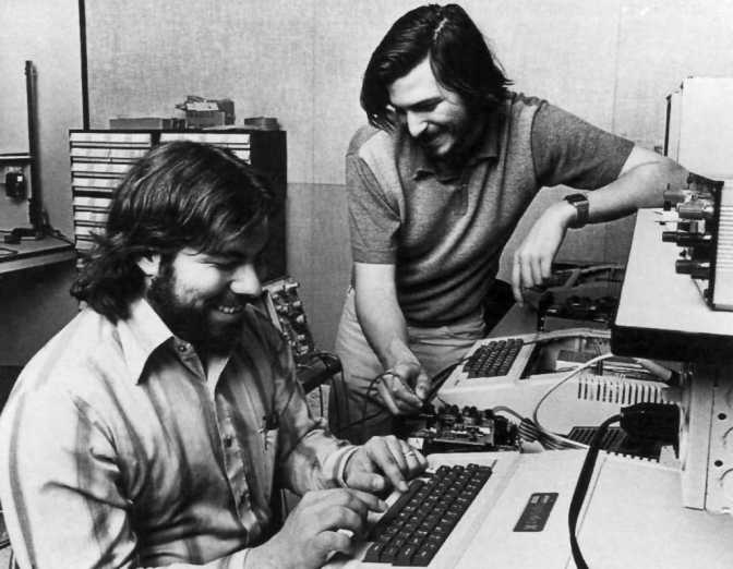 Woz and Jobs working on the Apple II in their garage in Mountain View, Claifornia,, 1 January, 1976 (pic Apple Computer)