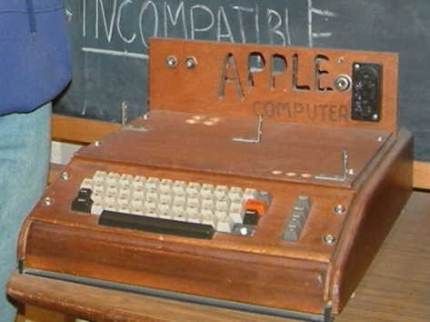 Apple I at the Smithsonian Museum, USA (Pic by rebelpilot - click to view page)